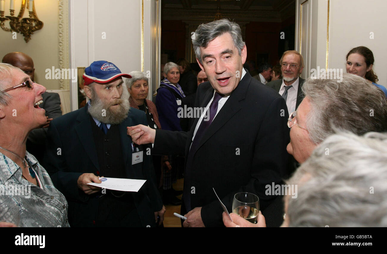 Brown holds reception for pensioners - Stock Image