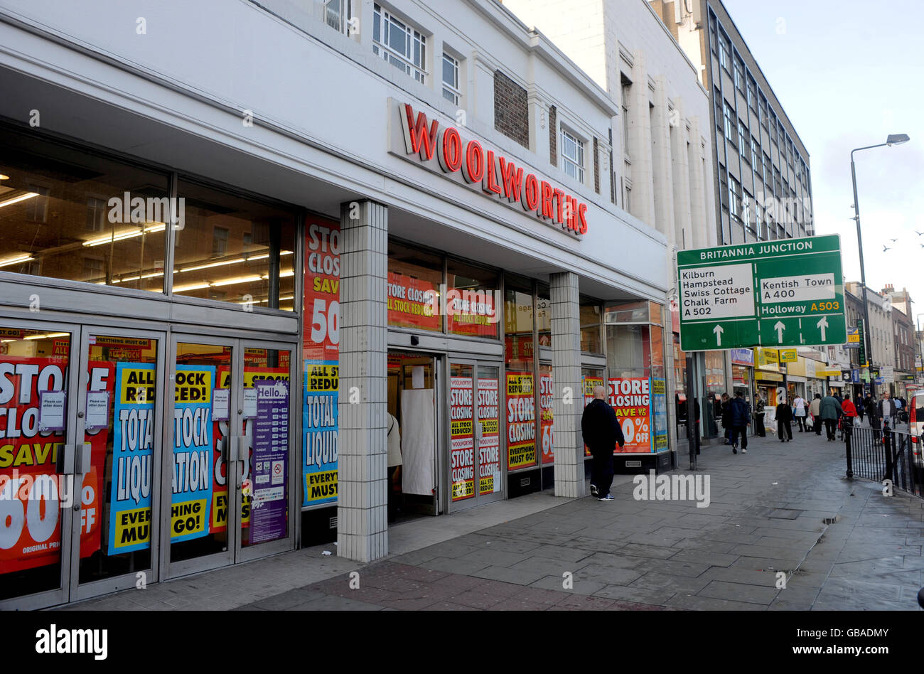 A Woolworths Store At 115 119 Camden High Street Stock Photos