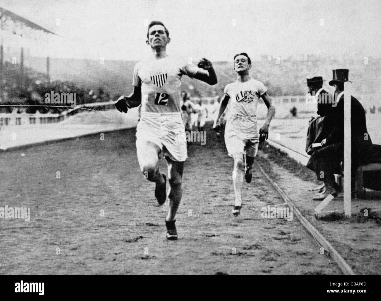 Athletics - London Olympic Games 1908 - Men's 1500m Final - Stock Image