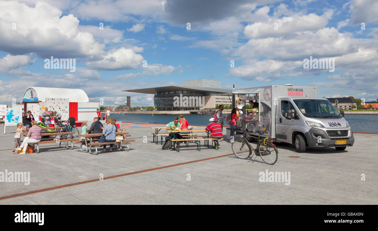 The new Kvaesthus Urban Space with the underground car park in the middle of Copenhagen Harbour. Opera House in Stock Photo