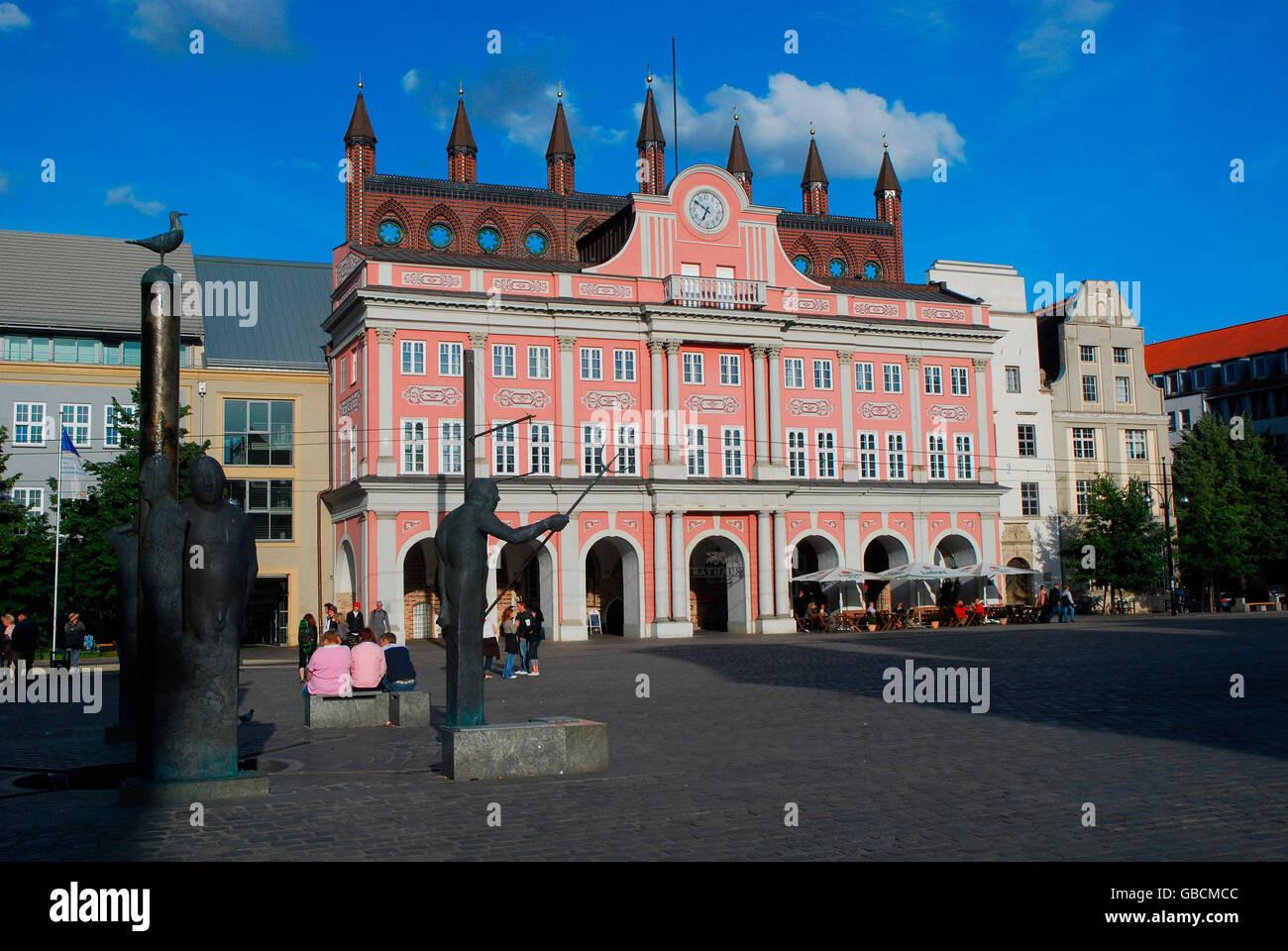 Sommer, Stadtbild, Marktplatz, Gotik, Rathaus, Hansestadt, Rostock, Mecklenburg-Vorpommern, Deutschland Stock Photo