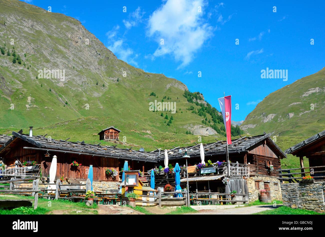 Landidylle, Sommer, Almhuette, Alm, Almdorf, Fane Alm, Pustertal, Suedtirol, Italien Stock Photo