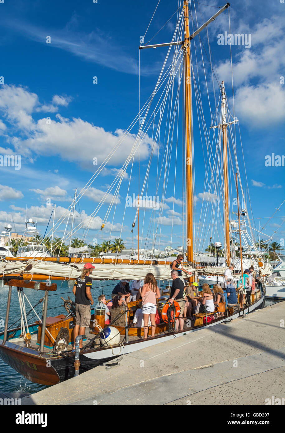 Florida, Key West, charter sailing yacht Schooner 'Hindu' built 1925, departing for sunset cruise - Stock Image