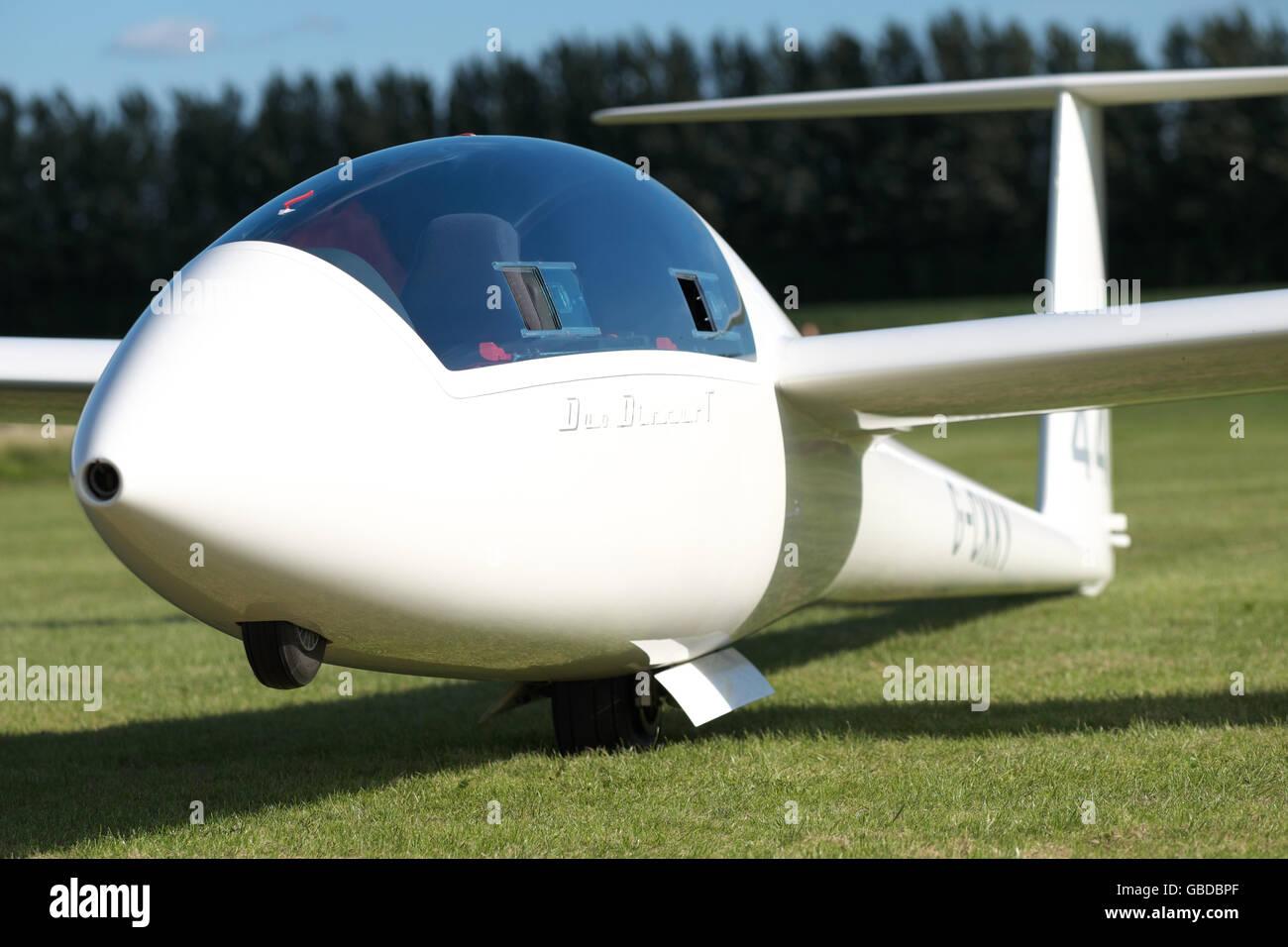 schempp hirth duo discus t modern two seat glider sailplane stock