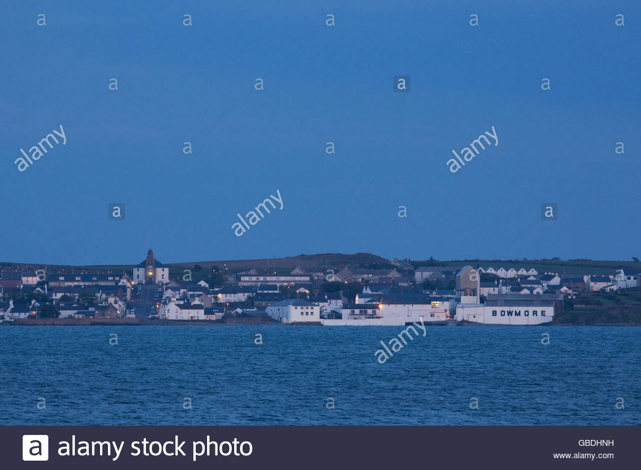 Looking across the bay to the village of Bowmore on the Isle of Islay, Inner Hebrides, Scotland. - Stock Image