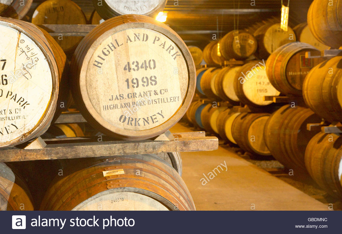 Barrels stored at the Highland Park Distillery, Kirkwall, Mainland, Orkney, Scotland. - Stock Image