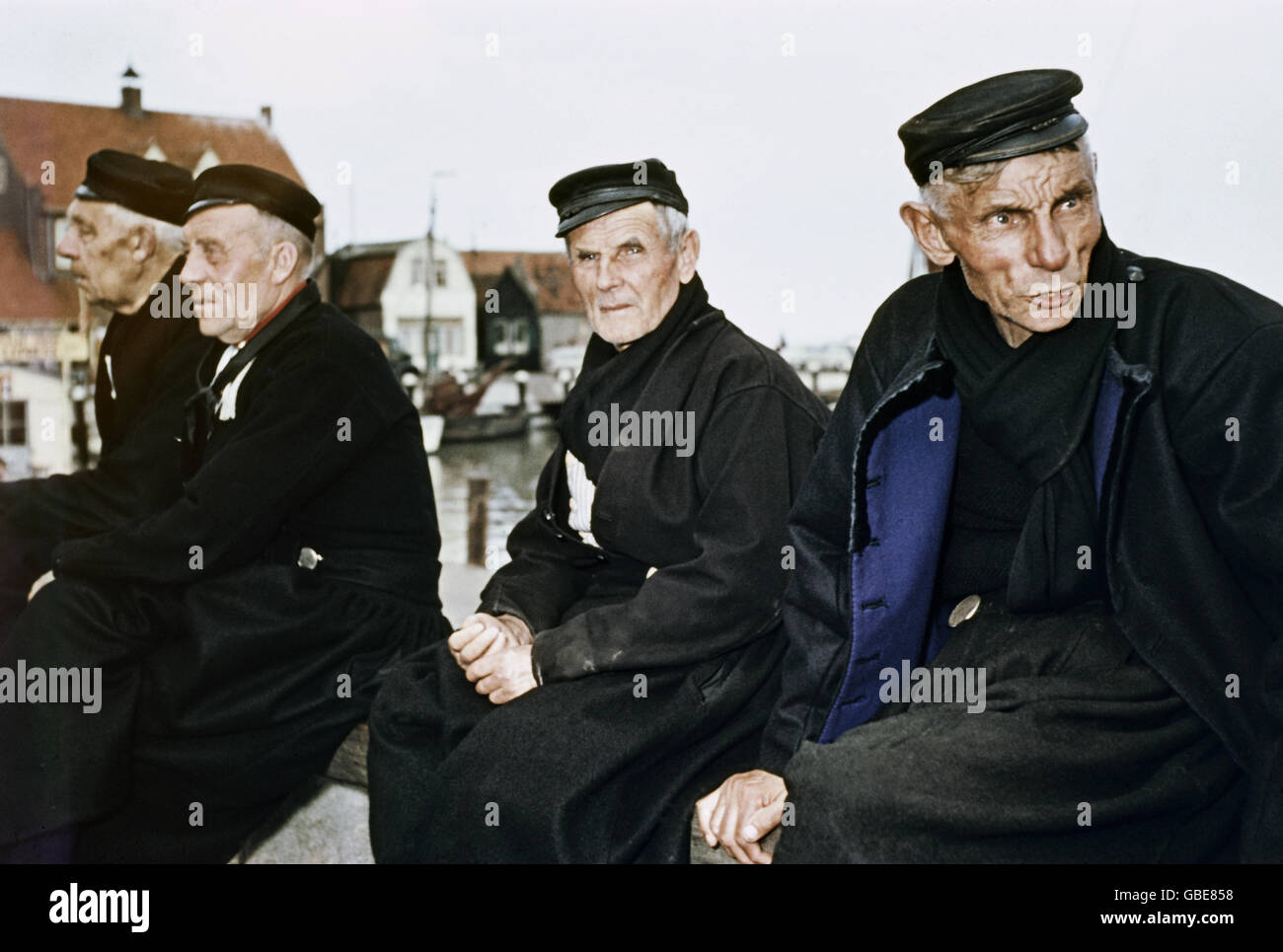 geography / travel, countries, Netherlands, Volendam, fishermen, 1950s, Additional-Rights-Clearences-NA - Stock Image