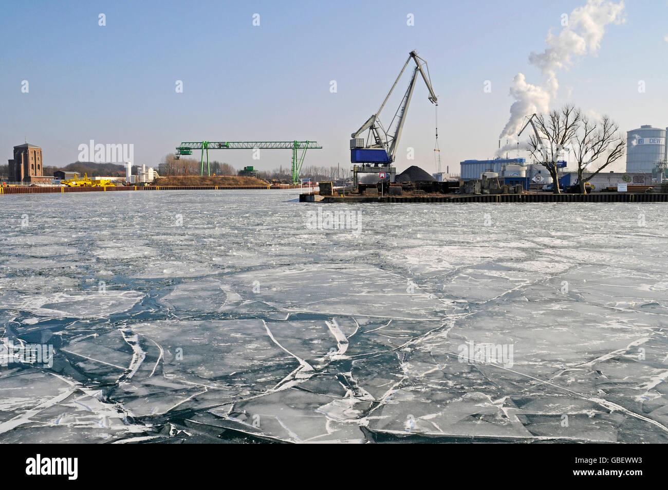 Frozen Dortmund-Ems-Canal, harbour, Dortmund, North Rhine-Westphalia, Germany - Stock Image