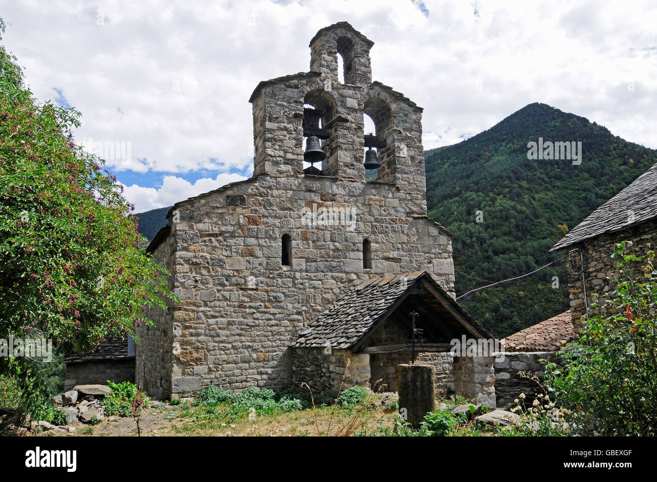 Santa Maria, romanesque church, Cardet, La Vall de Boi valley, Pyrenees, province LLeida, Catalonia, Spain - Stock Image