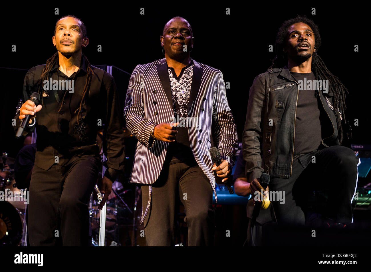 B. David Whitworth (l), Philip Bailey (c) and Philip Bailey Jr (r) of Earth Wind and Fire performing at the O2 Academy, - Stock Image
