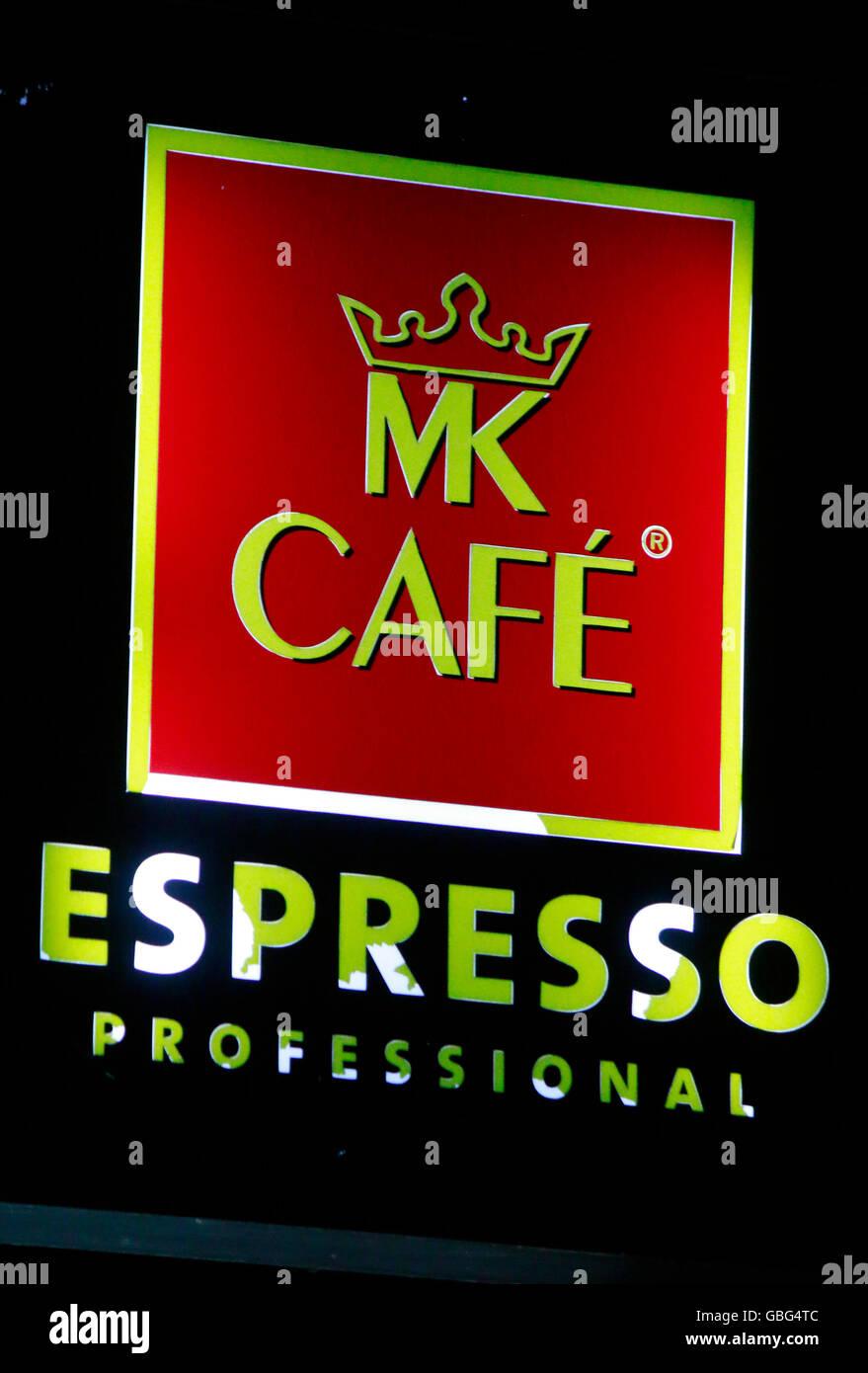das Logo der Marke 'MK Cafe Espresso', Swinemuende, Polen. - Stock Image