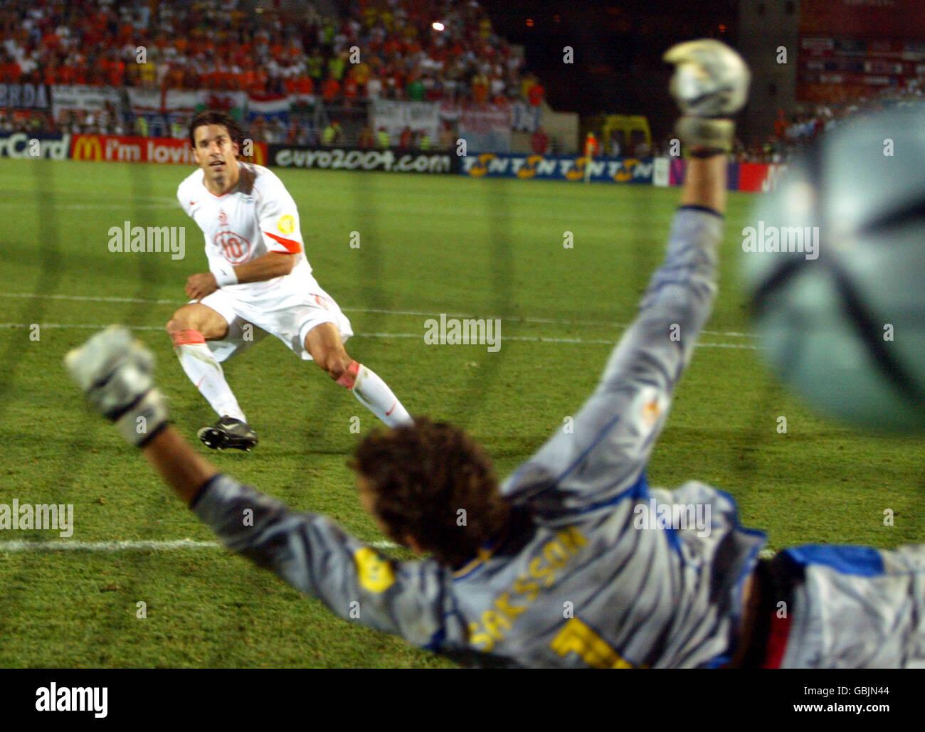Soccer - UEFA European Championship 2004 - Quarter Finals - Sweden v Holland Stock Photo