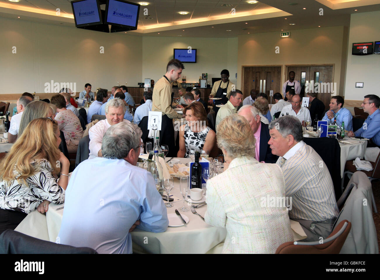 Horse Racing - Spring Meeting - Epsom Downs Racecourse - Stock Image