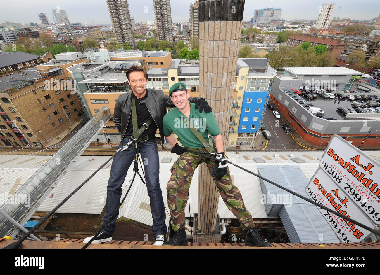 Hugh Jackman abseils for Help The Heroes - Stock Image