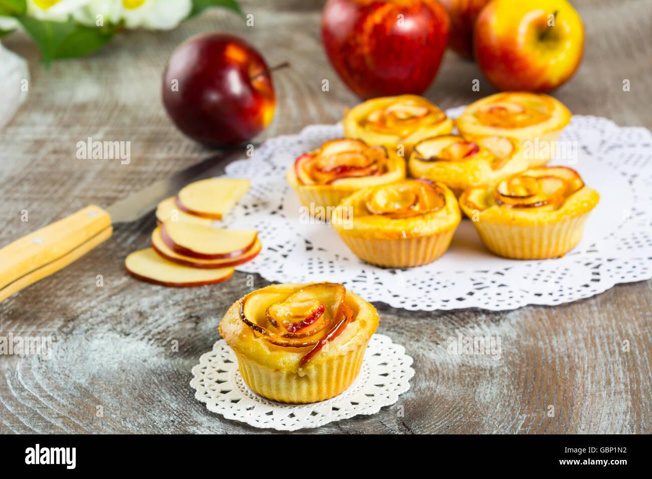 Resep Cake Ketofastosis: Apple Rose Cake