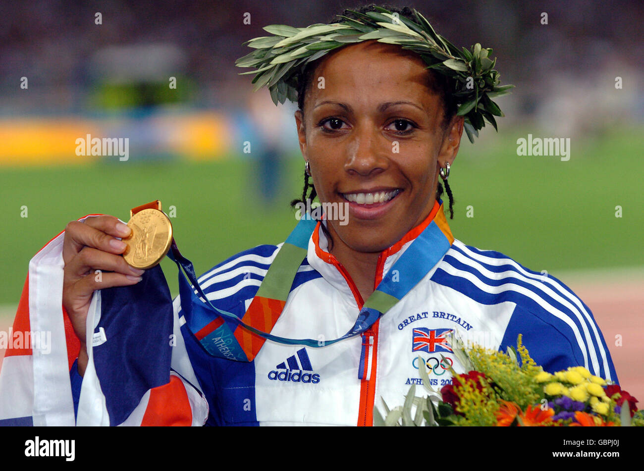 Kelly Holmes 3 Olympic medals in middle distance running