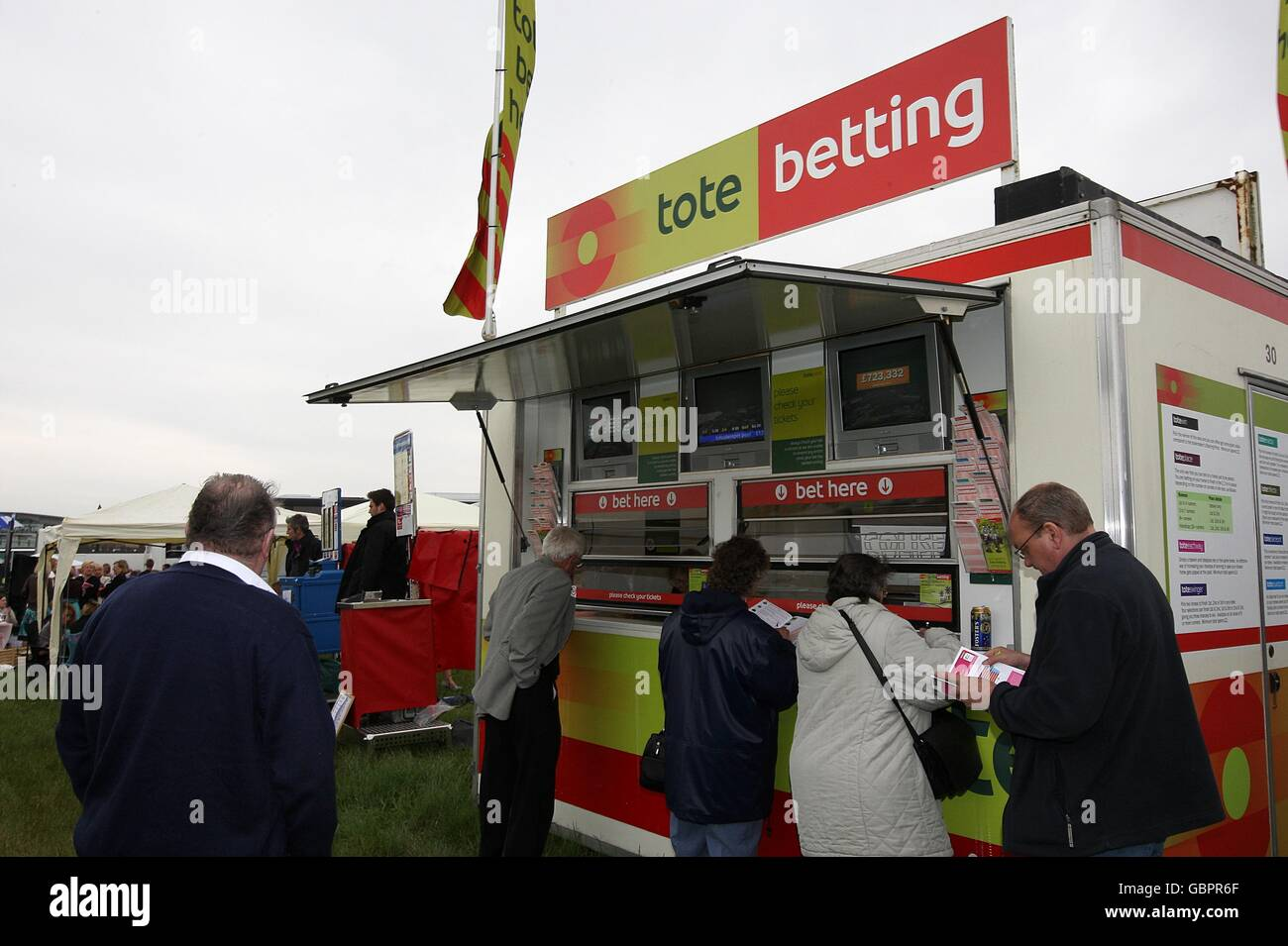 totesport mobile betting station