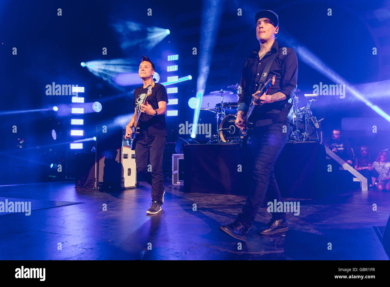 Milwaukee, Wisconsin, USA. 5th July, 2016. MARK HOPPUS (L) and MATT SKIBA of Blink-182 perform live at Henry Maier Stock Photo