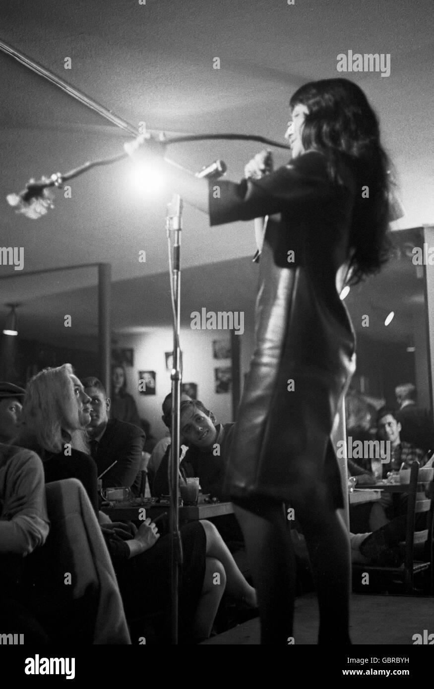 Buffy Sainte-Marie performing at Club 47 - Stock Image