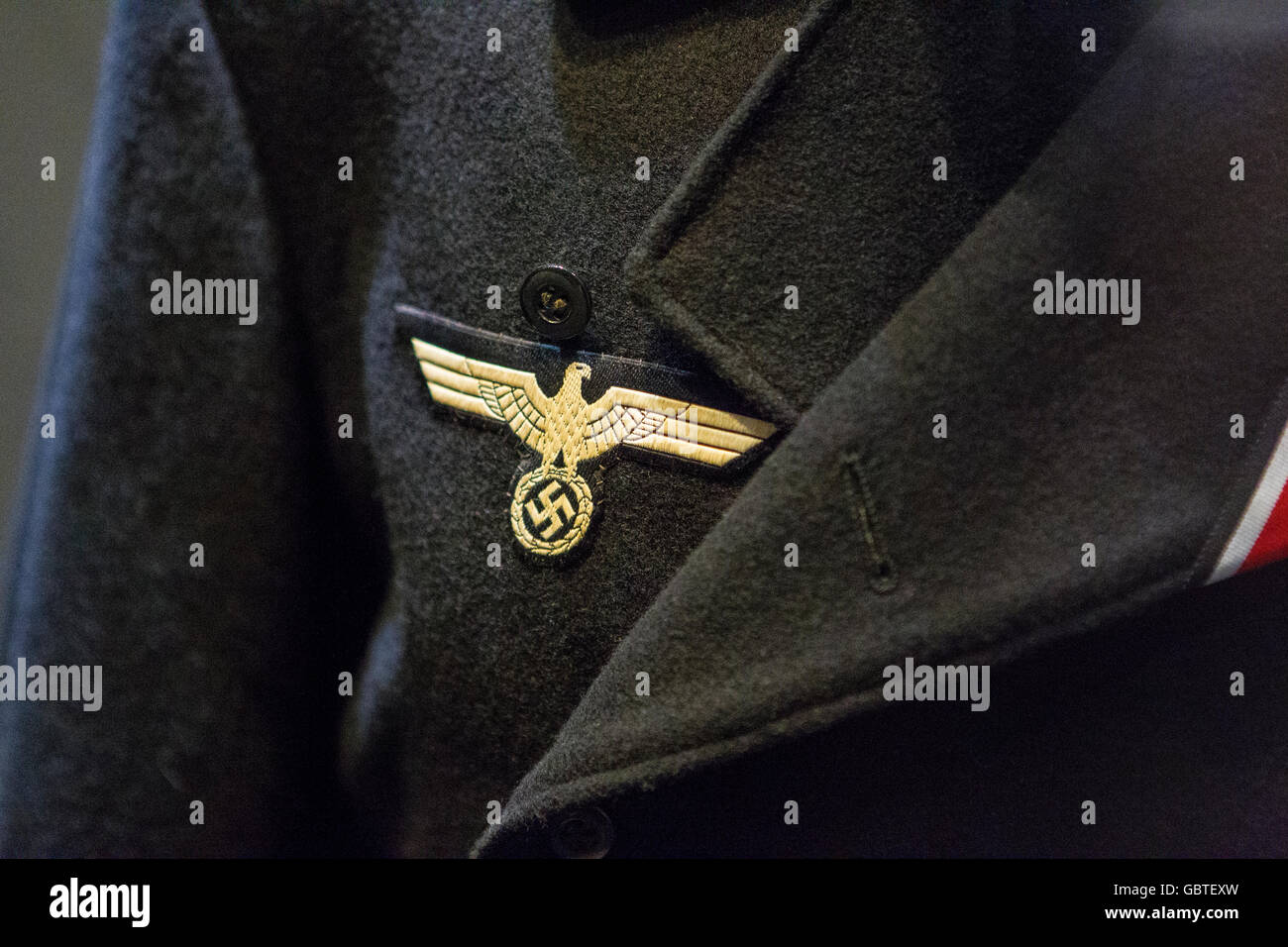 waffen ss german cross eagle tunic insignia badge - Stock Image