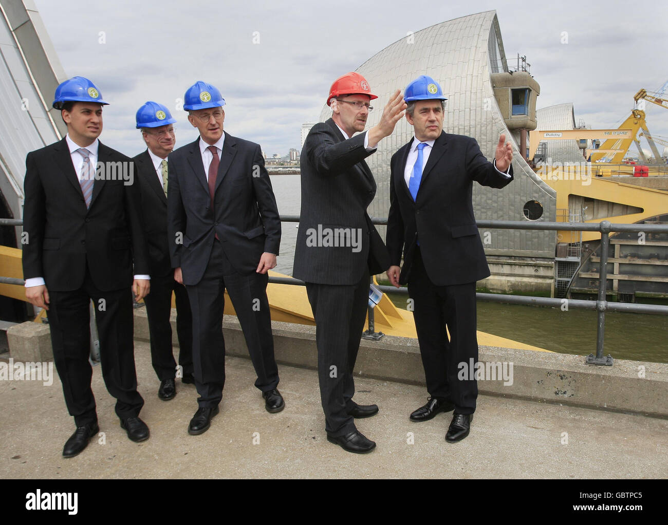 Gordon Brown visits Thames Barrier Stock Photo
