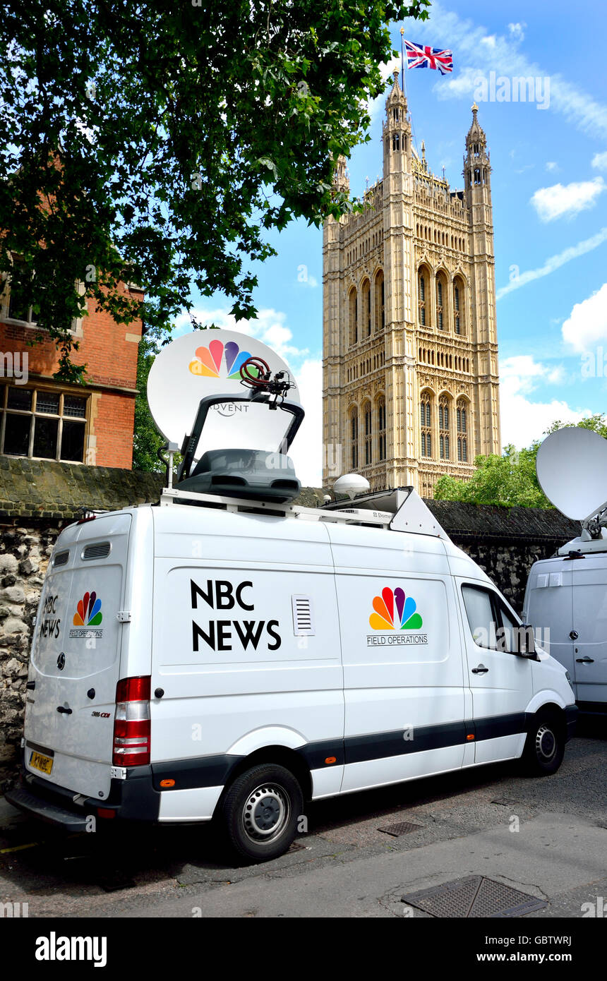 London, England, UK. NBC News van with satelite dish behind College Green, Westminster - Houses of Parliament - Stock Image