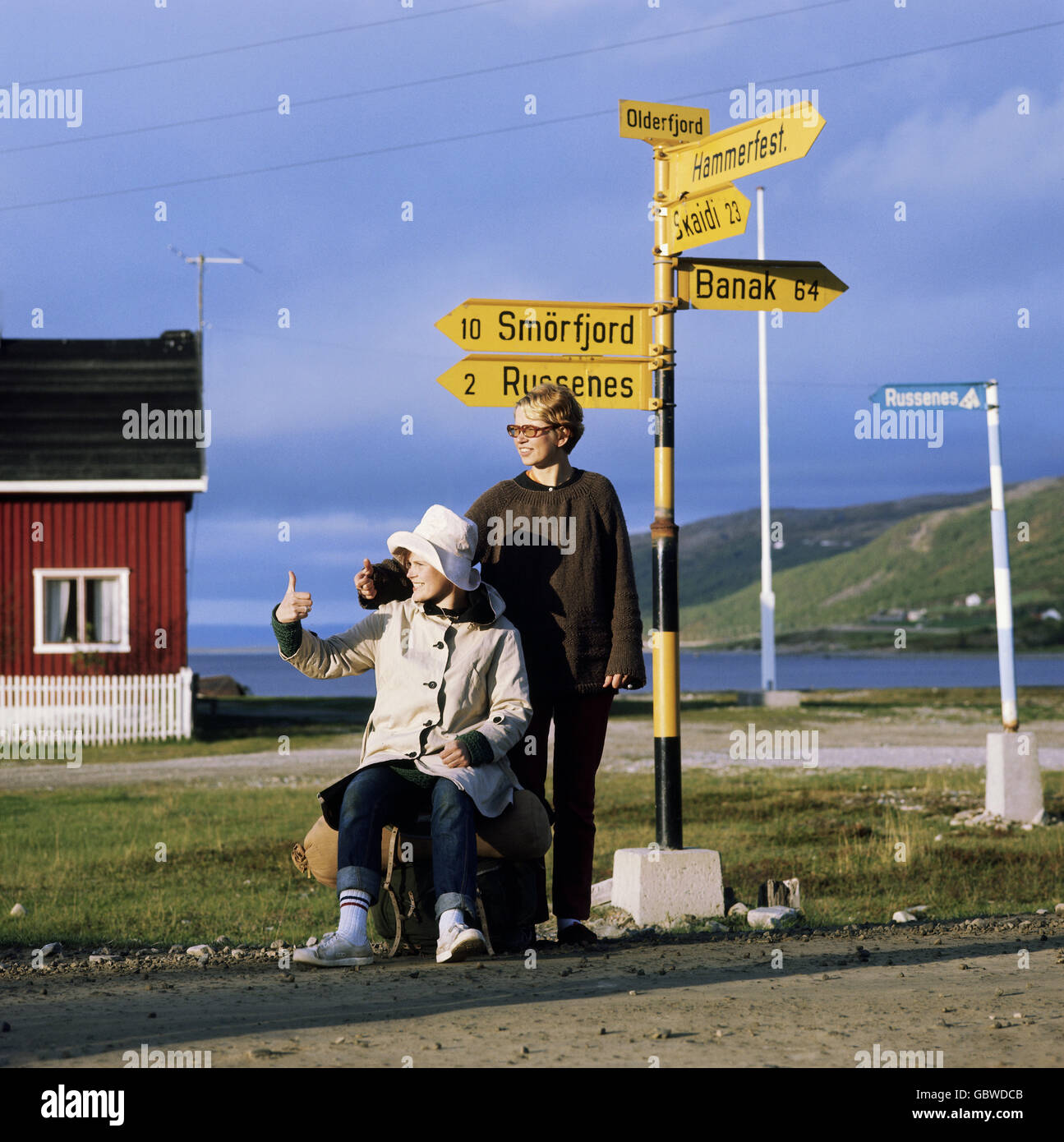 tourism, two hitchhiker on the way to North Cape, Norway, 1970s, , Additional-Rights-Clearences-NA - Stock Image