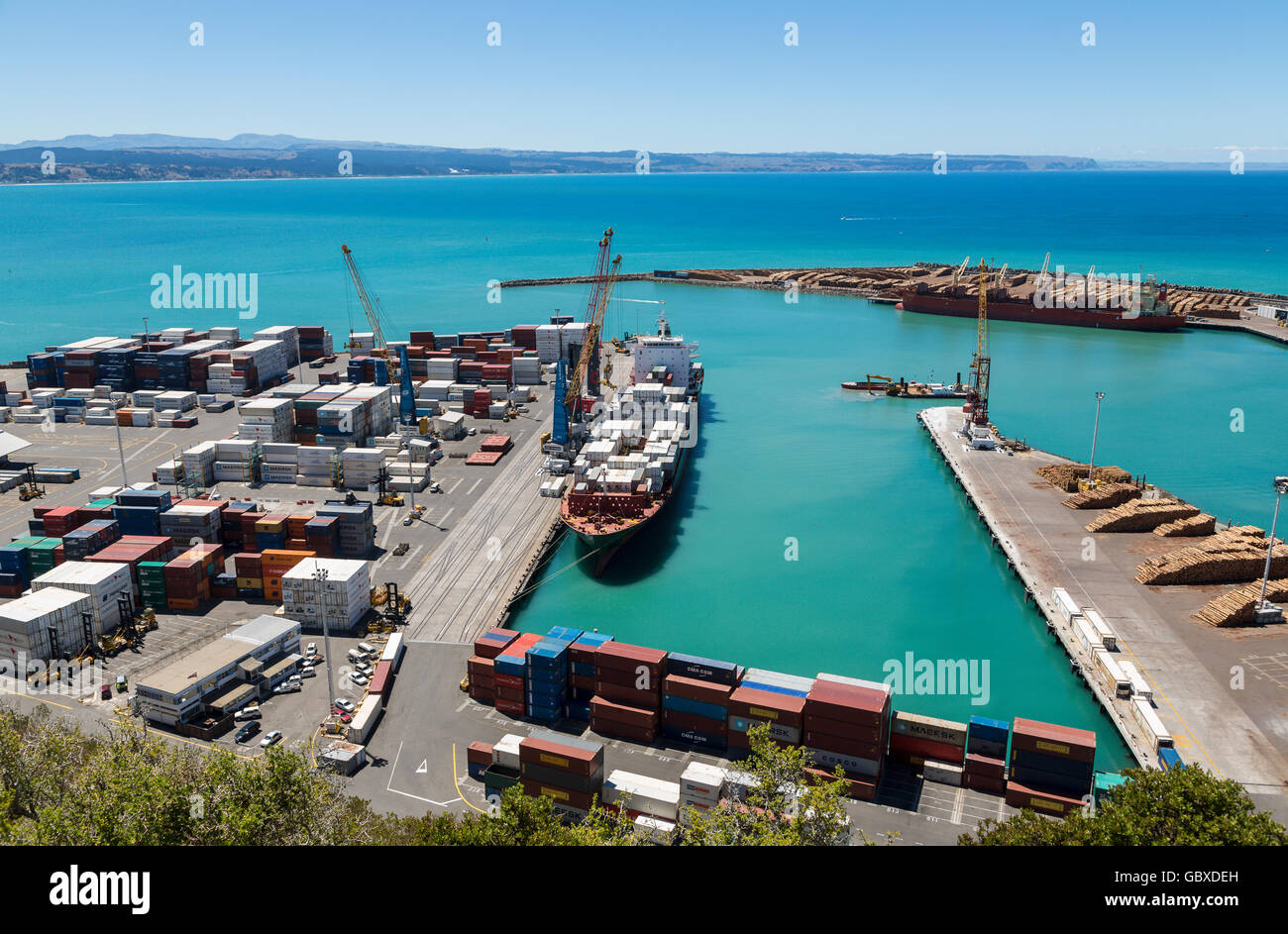 Container ship unloading at Napier docks, New Zealand Stock Photo