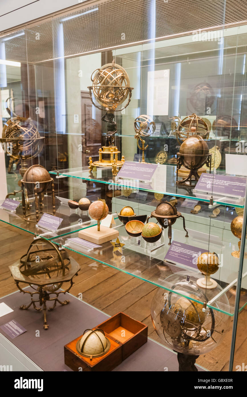 England, Oxfordshire, Oxford, Museum of the History of Science, Display of Historical Scientific Instruments - Stock Image