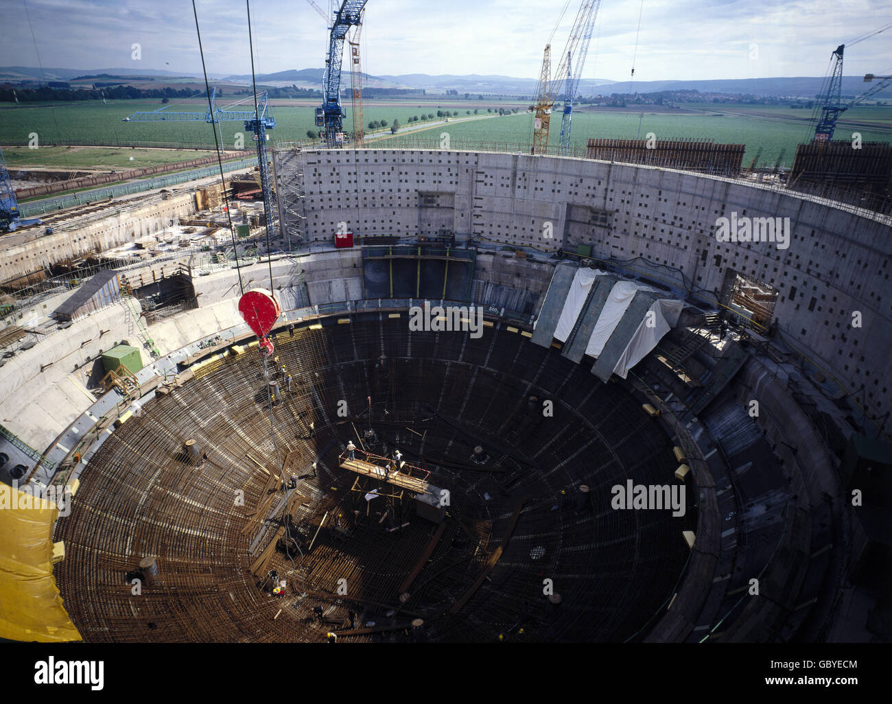 energy, nuclear power, power plant Grohnde, Lower Saxony, West Germany, construction of the reactor building, 1980, - Stock Image