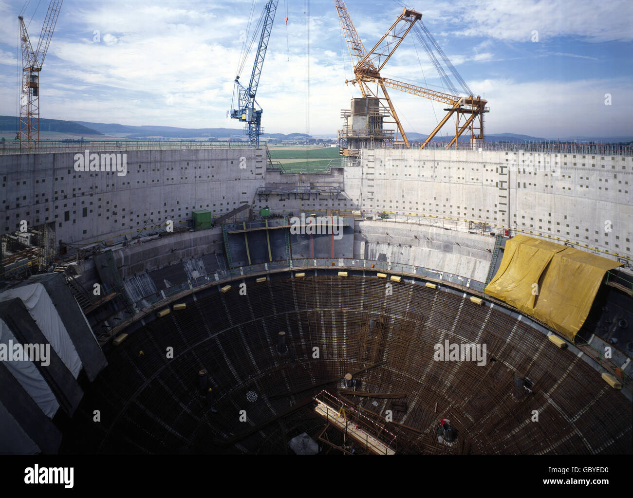 energy, nuclear power, power plant Grohnde, Lower Saxony, West Germany, construction of the reactor building, 1980, Stock Photo