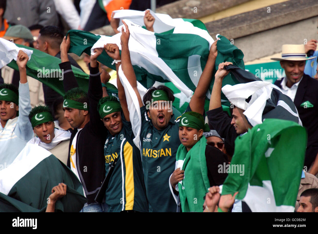 Cricket Fans Cheer Stock Photos Images