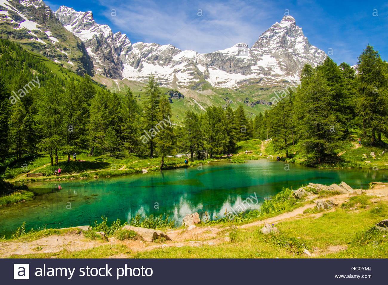 Lago Blu (Lake Blue), with the Cervino Mountain (aka Matterhorn in Switzerland), Aosta Valley, Italy. - Stock Image