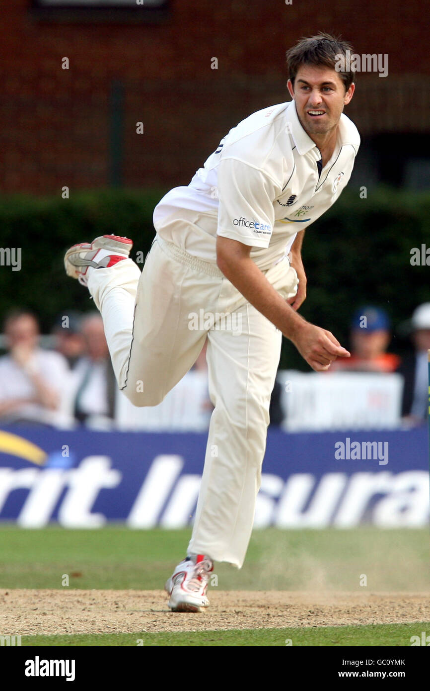 Cricket - Liverpool Victoria County Championship - Division Two - Day Three - Surrey v Derbyshire - Whitgift School - Stock Image
