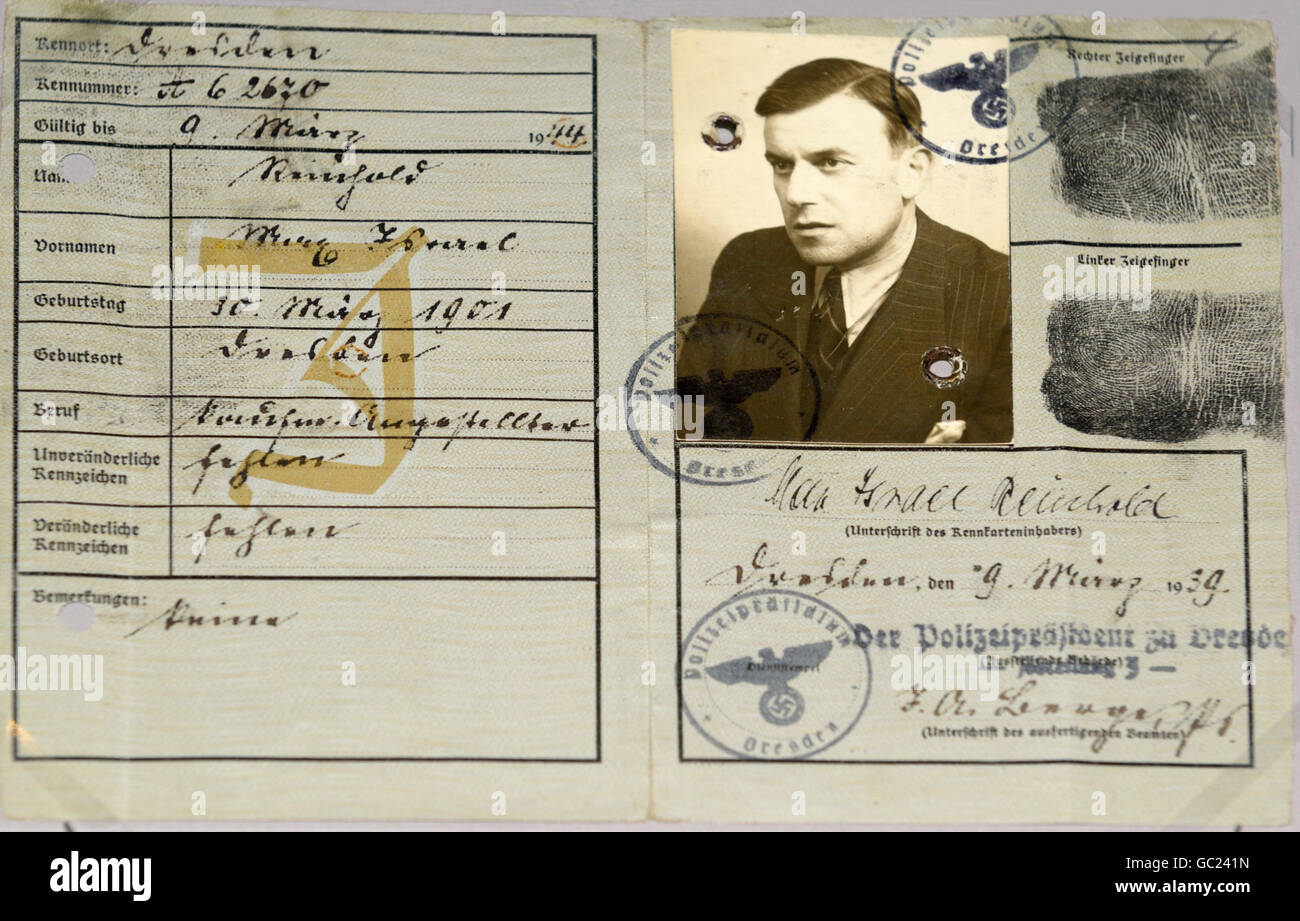 Jewish passport from Nazi Germany, 1939, stamped with a large J on left side to identify the holder, Max Reinhold, - Stock Image