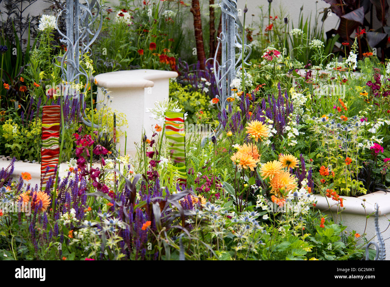 Birght summer colours in the New Horizons garden in the City Gardens category at The Hampton Court Palace Flower - Stock Image