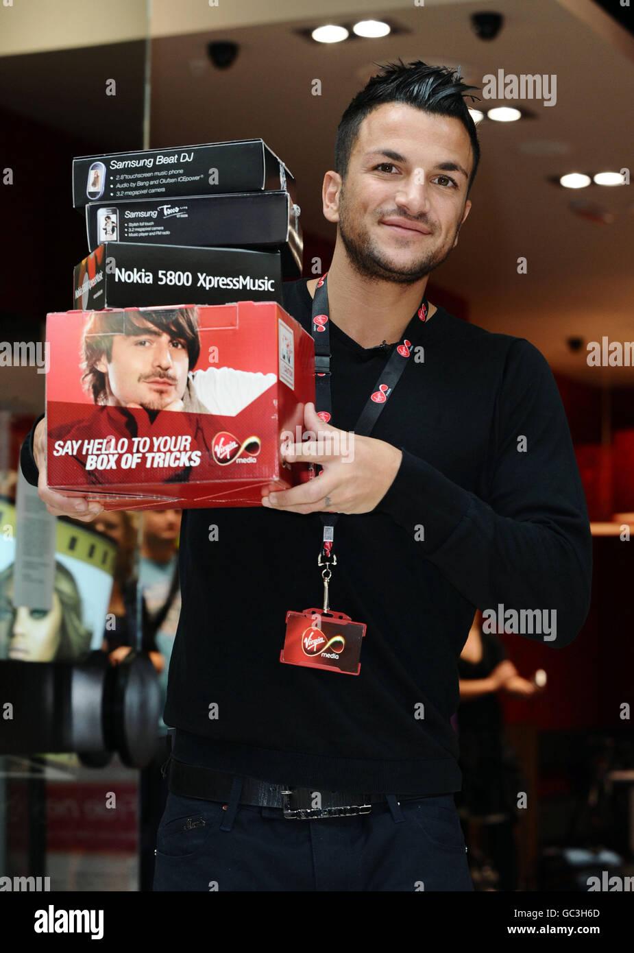 Peter Andre opens new Virgin Media store - London - Stock Image