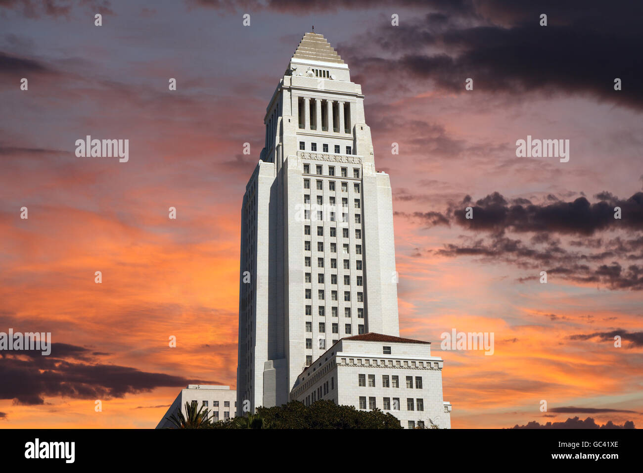 Los Angeles city hall building with sunrise sky. - Stock Image