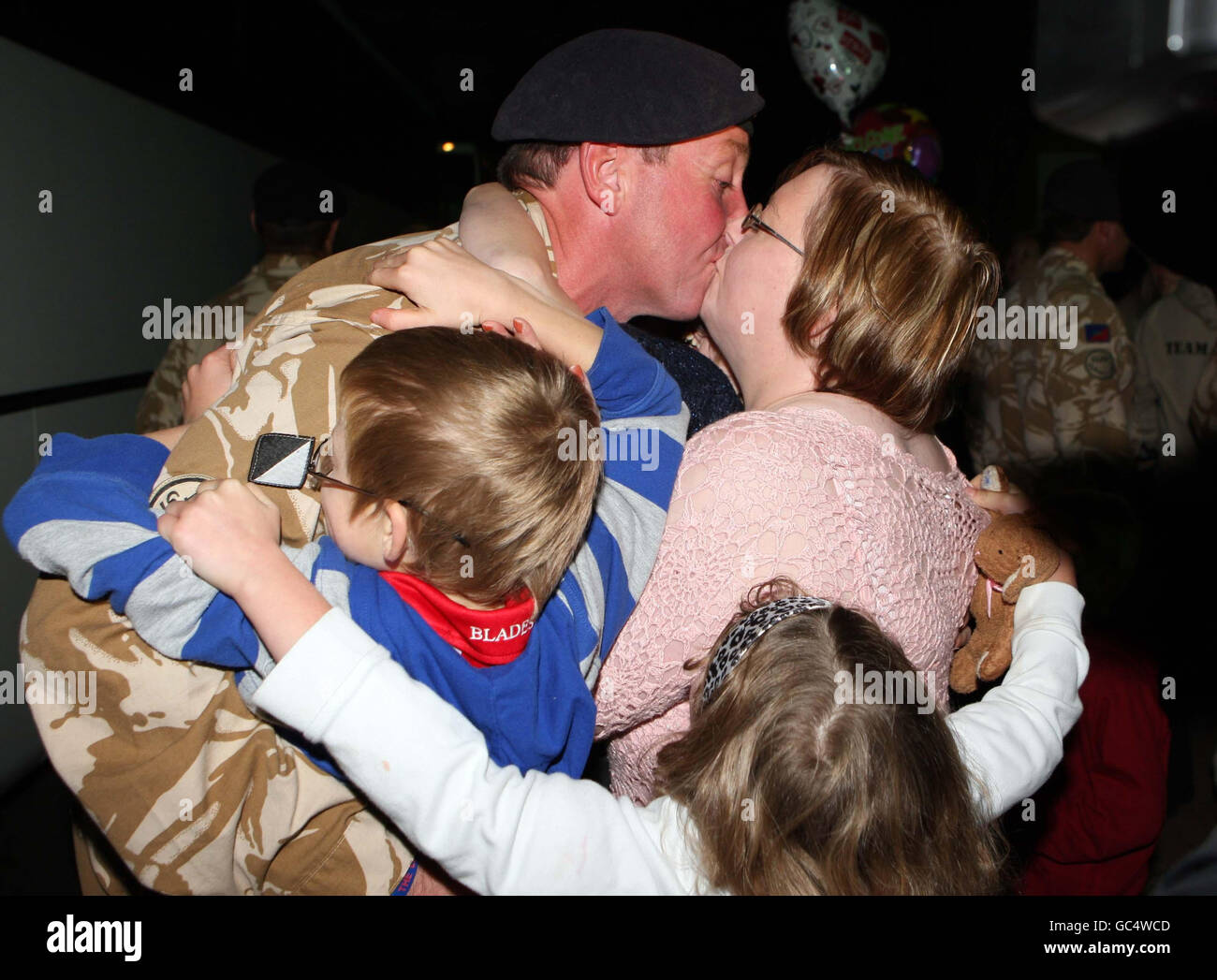 Soldiers from Light Dragoons return home - Stock Image