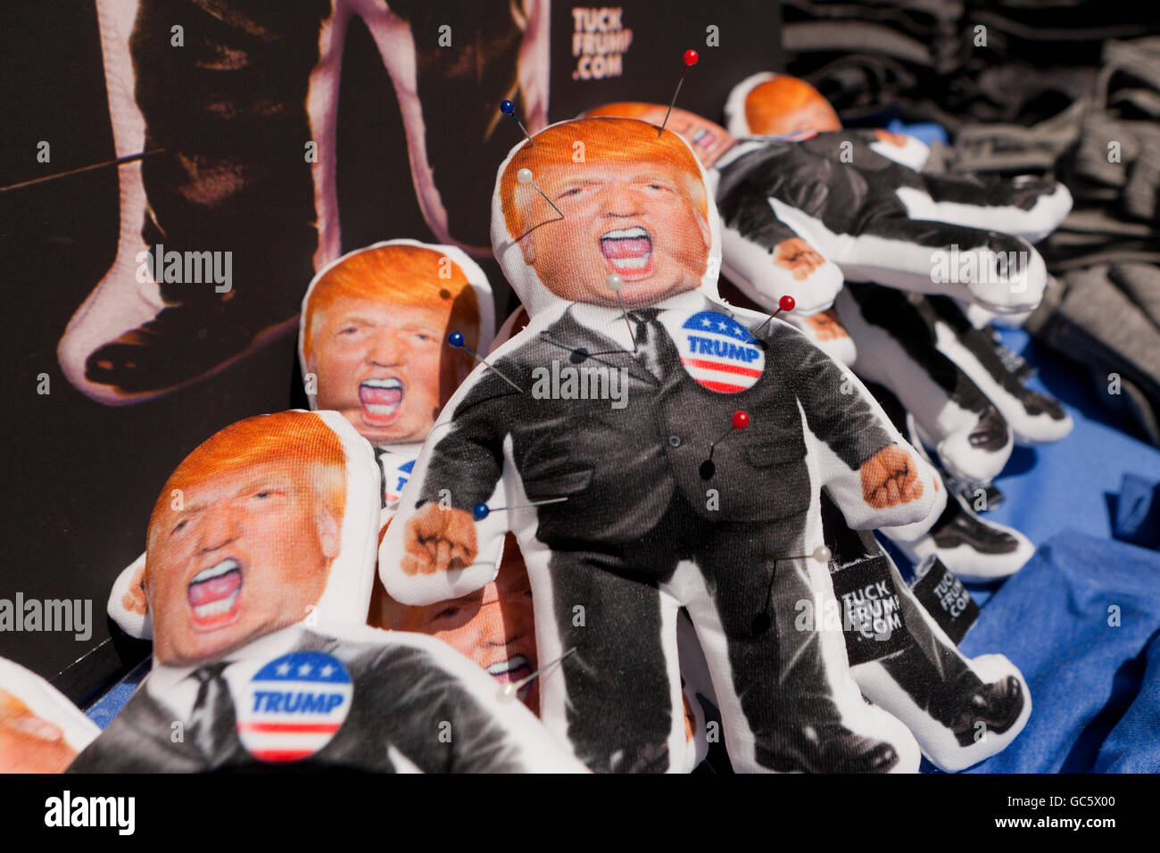 Donald Trump voodoo dolls on sale - USA - Stock Image