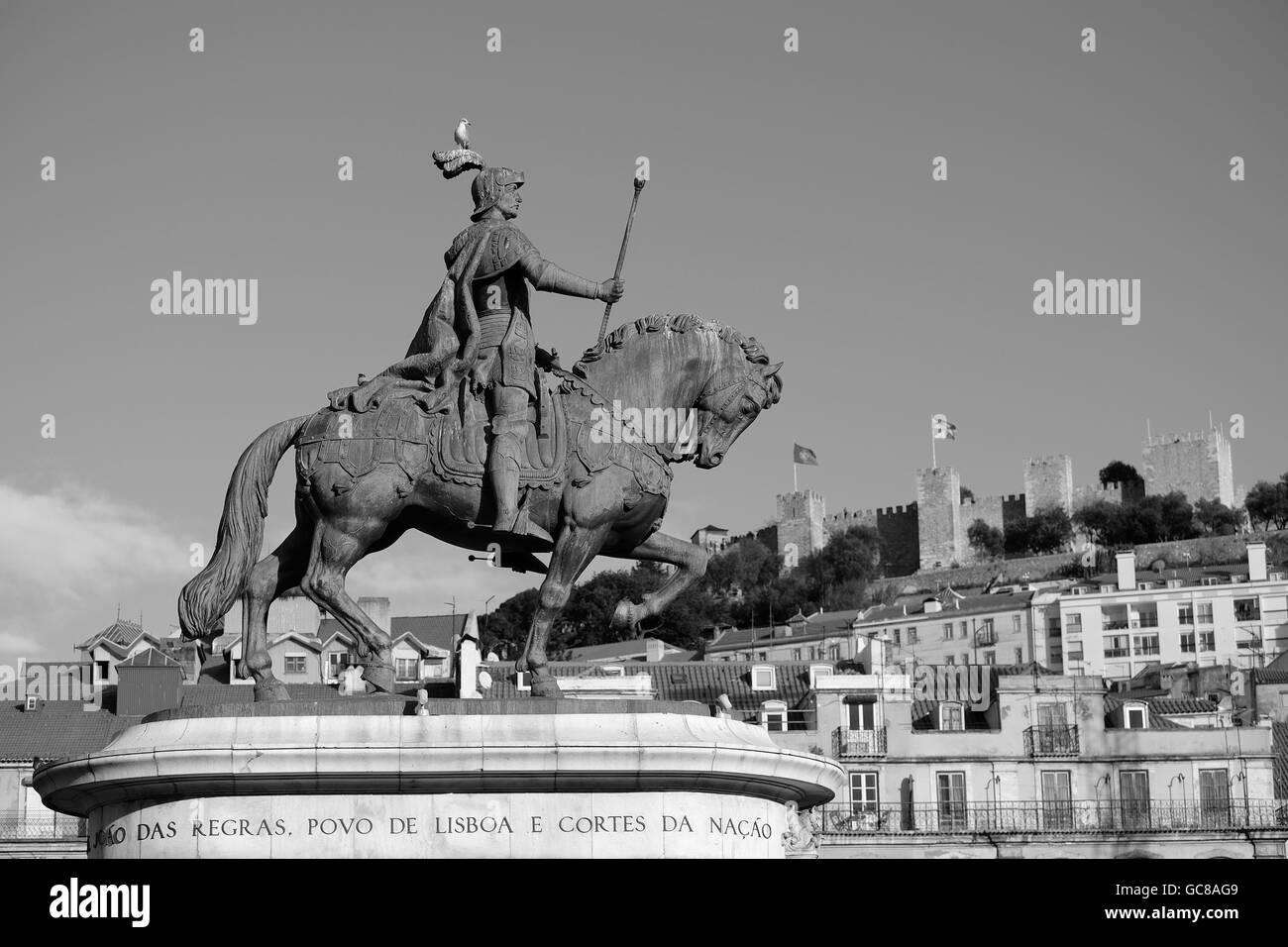 Estatua de Don Juan I Plaze de Figueira Lisbon Stock Photo