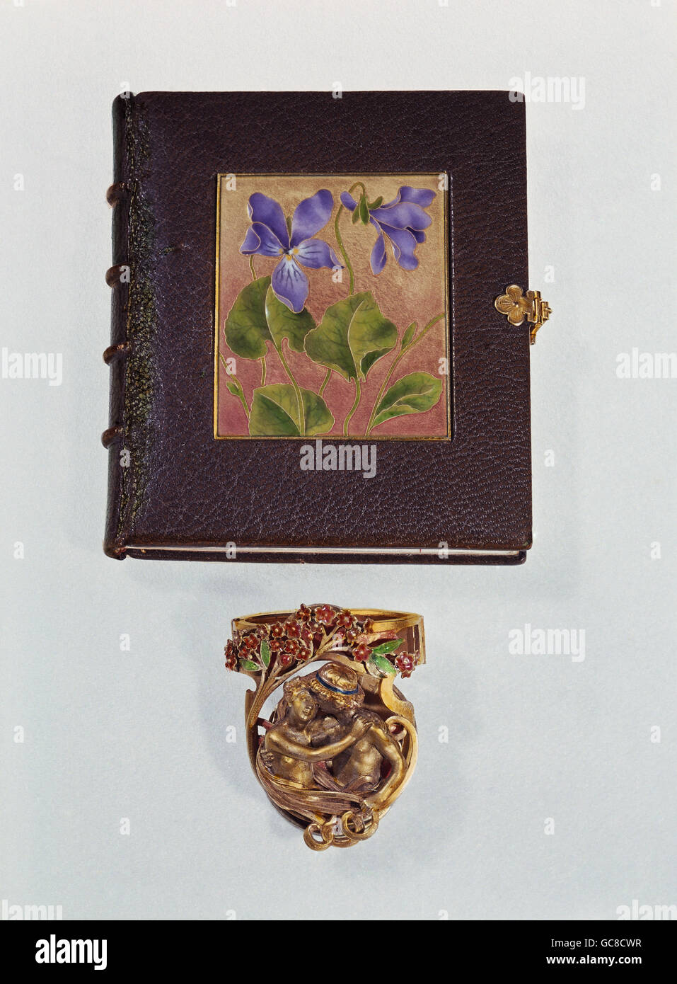 jewellery, above: small book of hours, by E. Tourette, leather, enamel, gold, 7.5 cm x 6.5 cm, Paris, France, 1900 - Stock Image