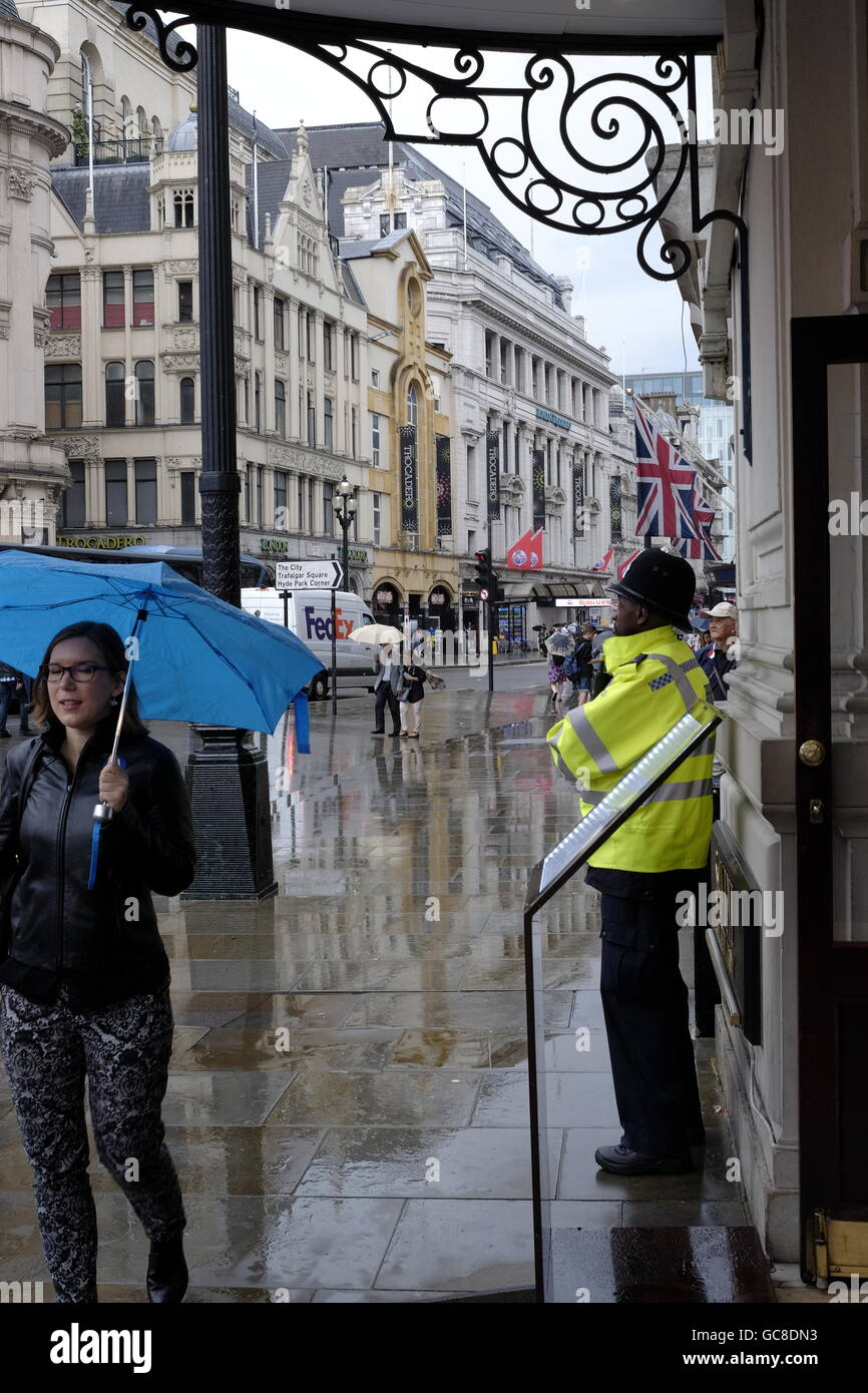 City of London on a wet rainy day - Stock Image