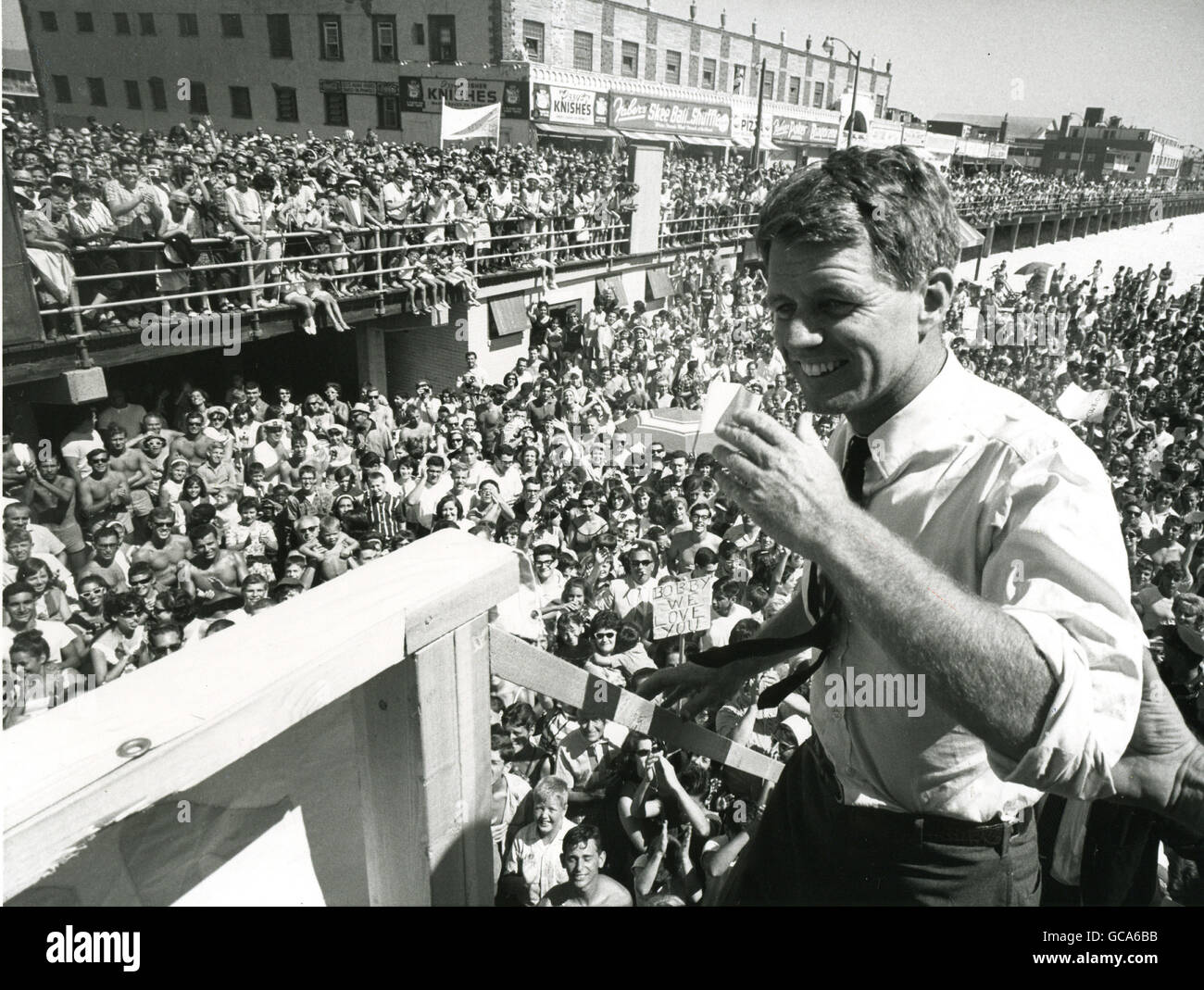 Robert Kennedy addresses a crowd from a lifeguard platform during his campaign as a candidate for US Senate from - Stock Image