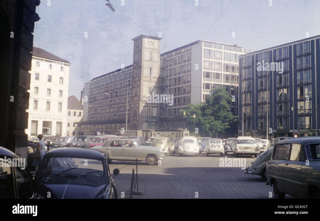 geography / travel, Germany, Bavaria, Munich, squares, Lenbachplatz (Lenbach Square) with Maxburg, June 1961, Additional - Stock Image