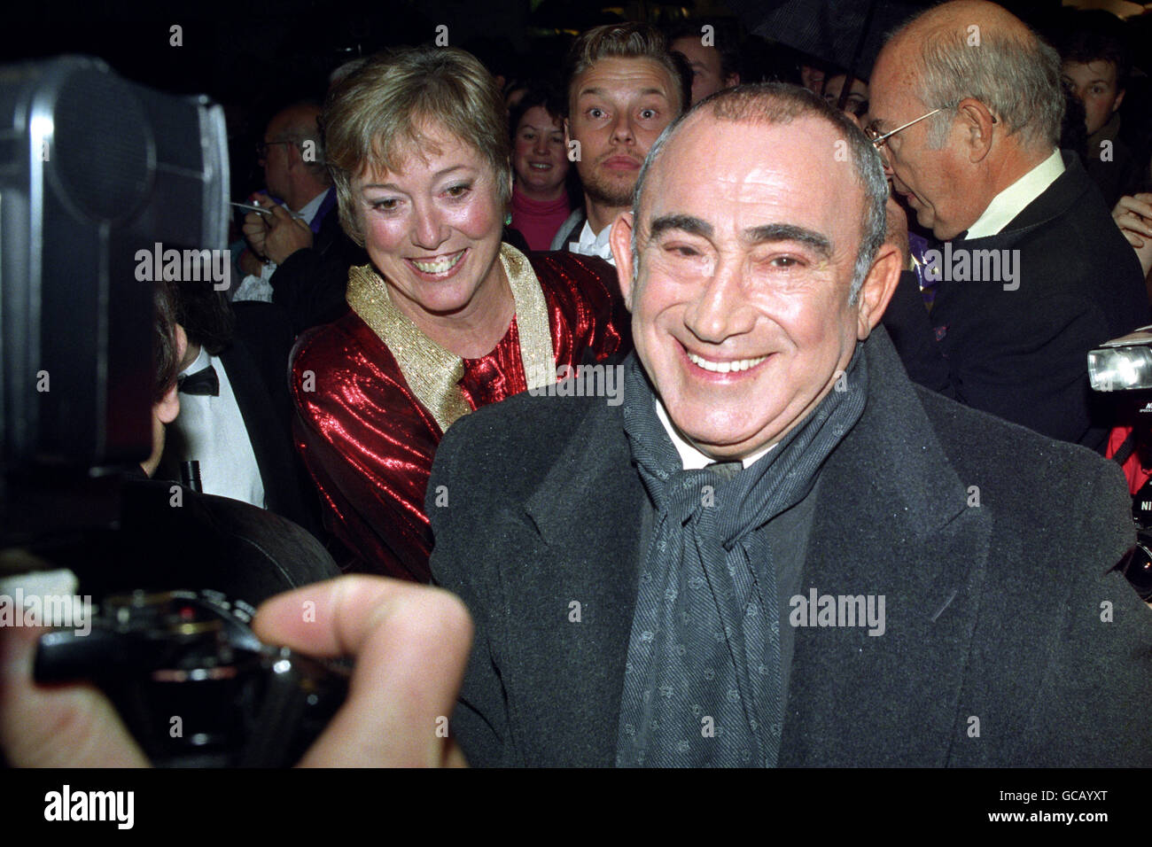 LIONEL BART ARRIVES FOR OLIER - Stock Image