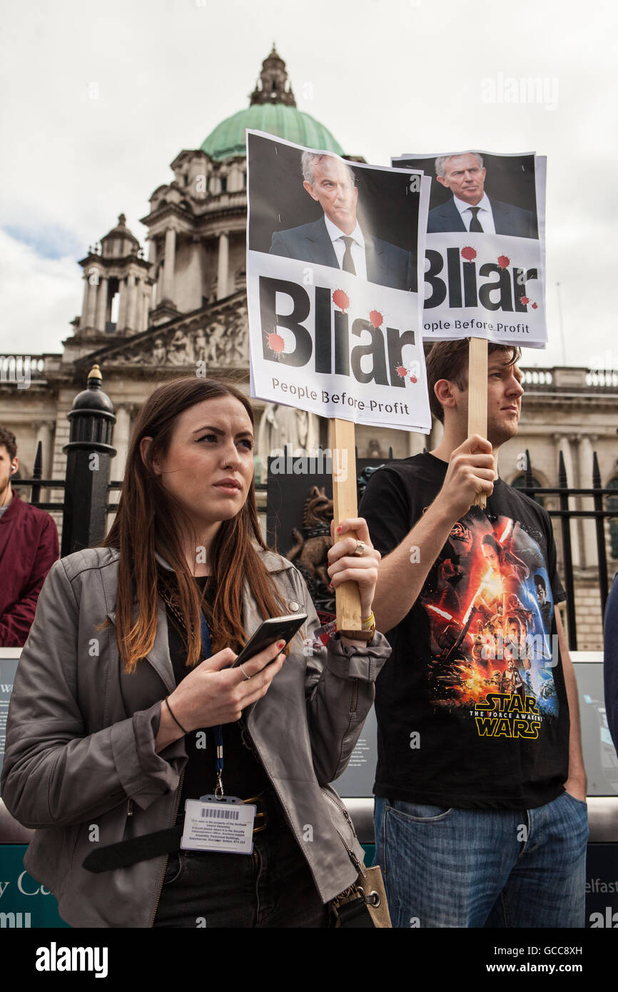 Belfast, UK, Europe. 8th July 2016. Protesters holding placards where Belfast city Councilor Matt Collins from the - Stock Image