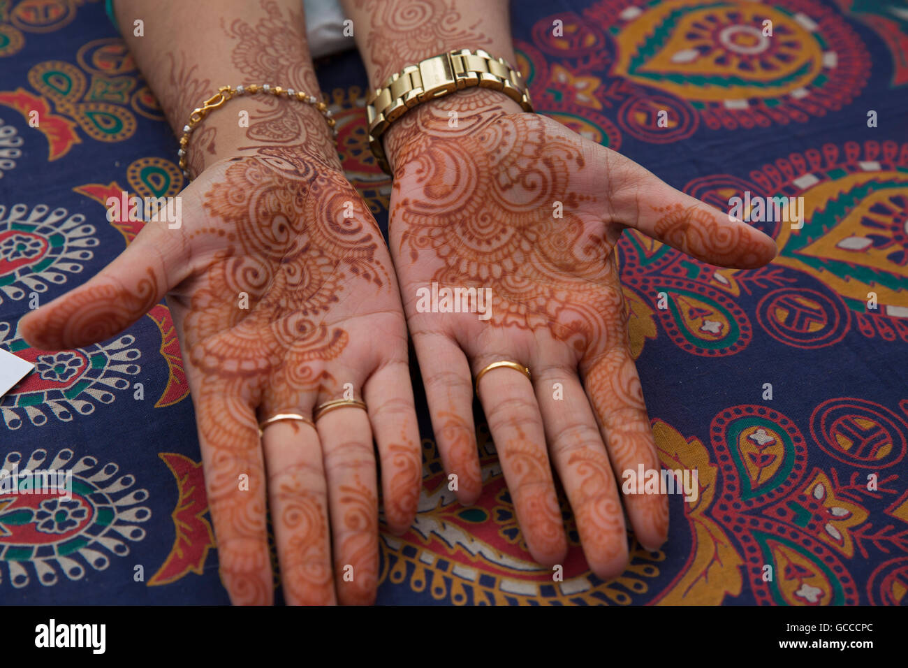 Buy Henna Mehndi Uk : Easy simple beautiful arabic inspired henna mehndi designs for