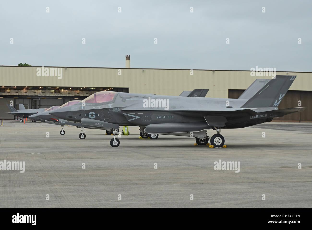Lockheed Martin F-35 Lightning II fighter jets lined up - Stock Image