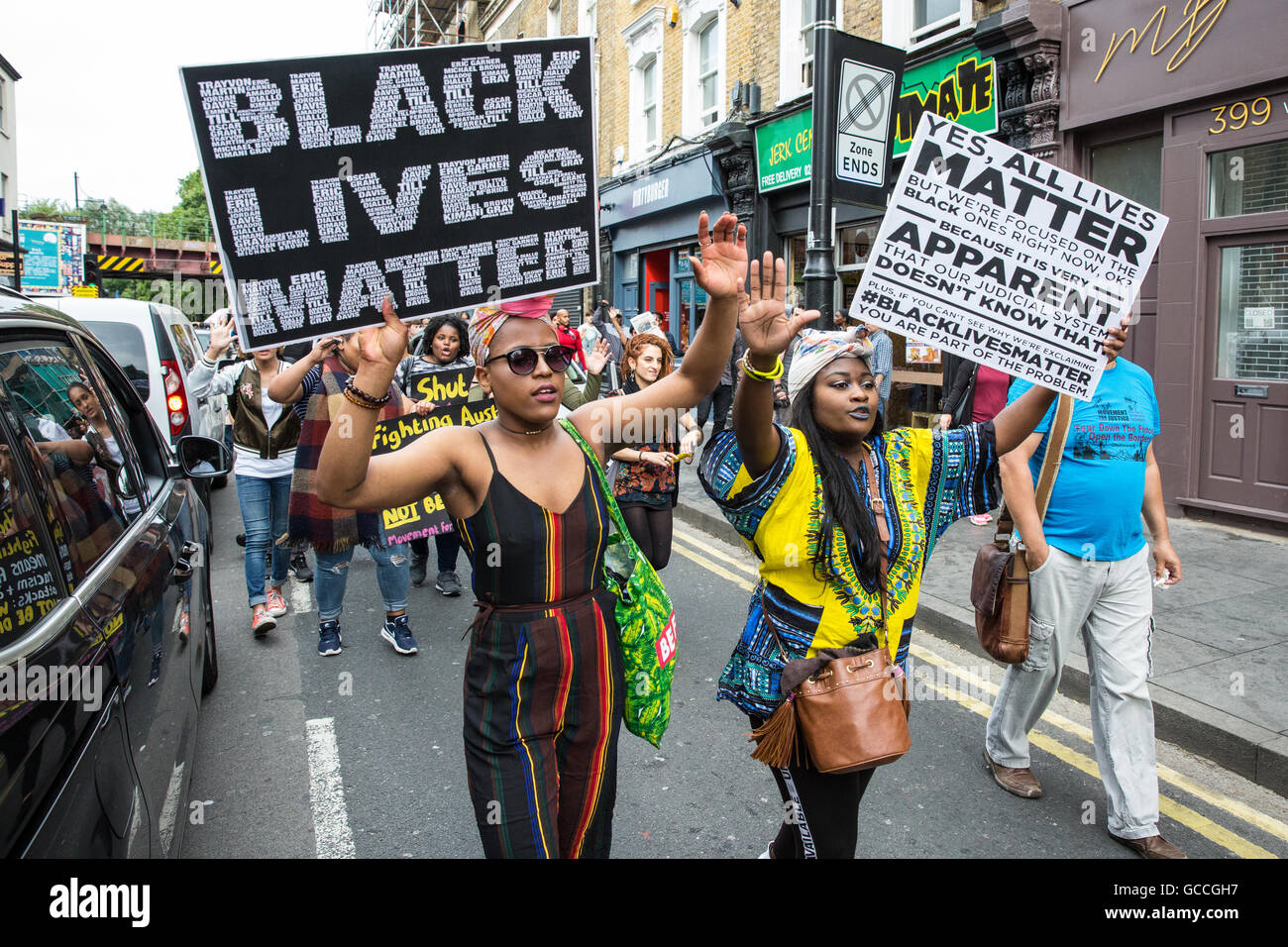 London, UK. 9th July, 2016. Campaigners from groups including Black Lives Matter UK march in Brixton in solidarity - Stock Image